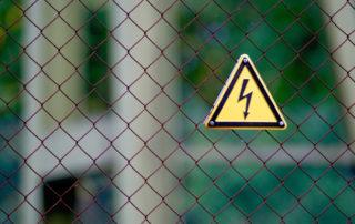 Warnung vor Stromschlag