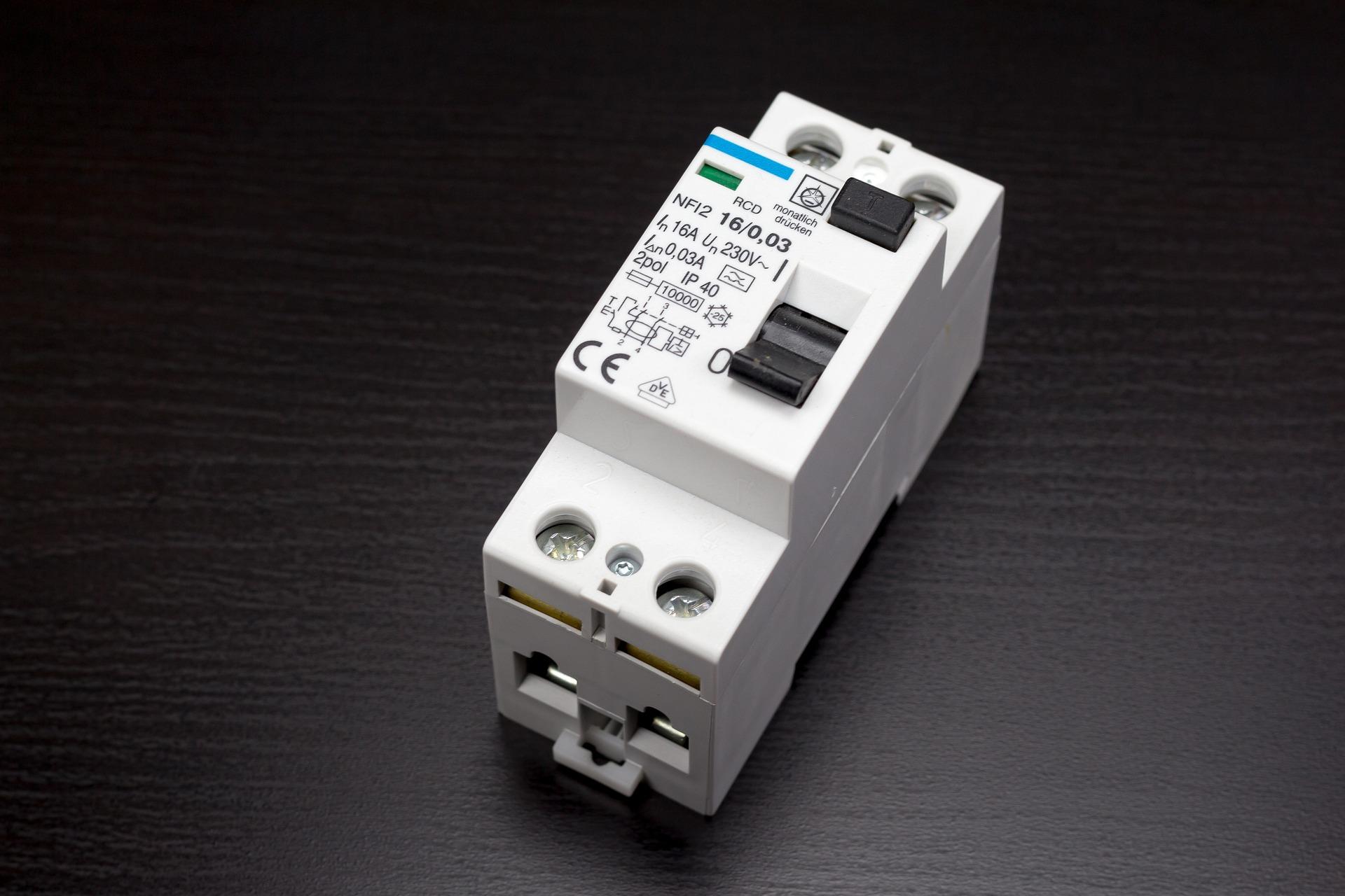 Wie funktioniert ein FI-Schalter (Fehlerstromschutzschalter